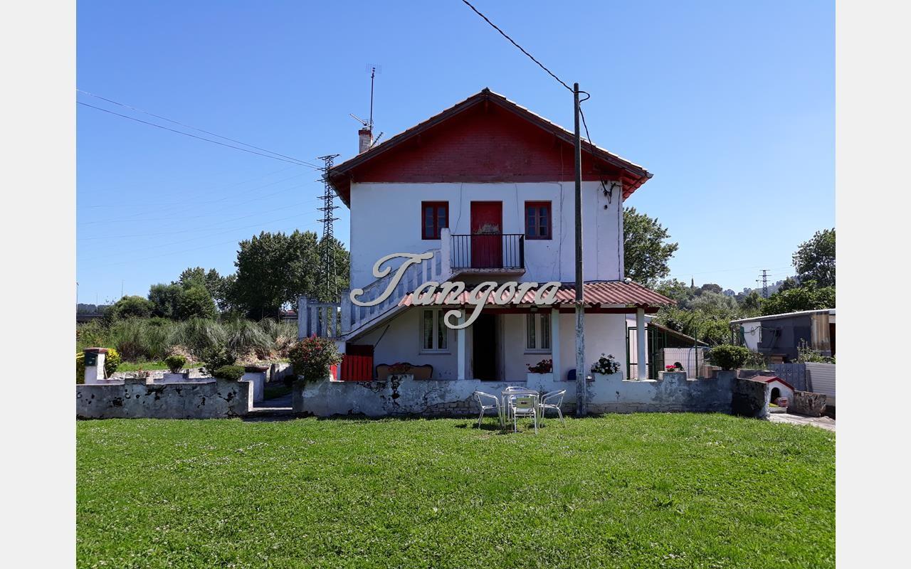 Estupenda casa unifamiliar en Getxo con magníficas posibilidades.