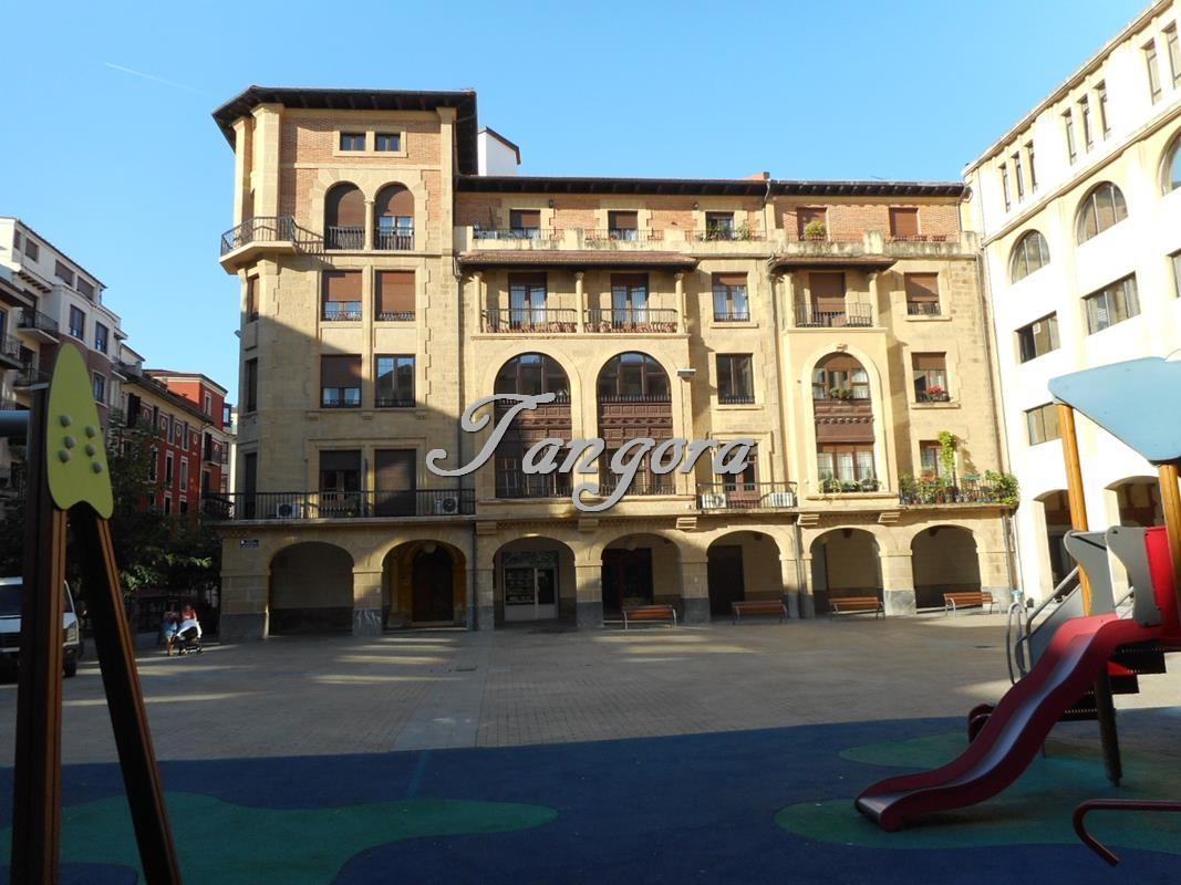 Maravilloso piso señorial en el corazón de Las Arenas.