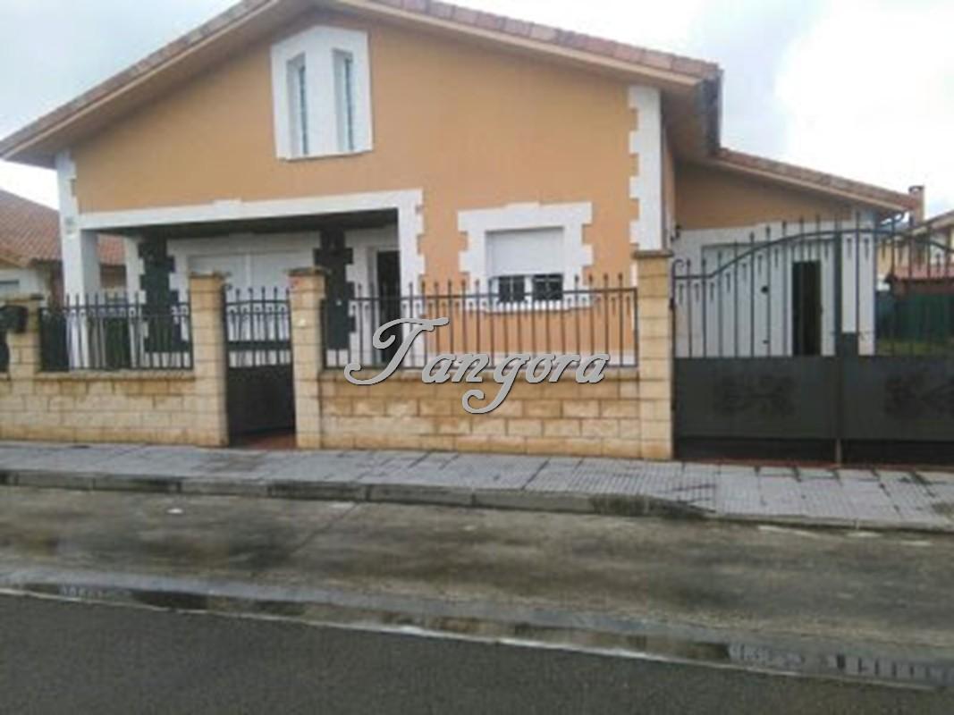 Precioso chalet individual de reciente construcción en Villarcayo.