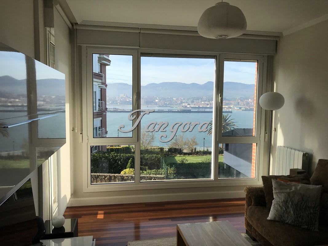 Maravilloso piso con vistas totales al mar en Usategi.