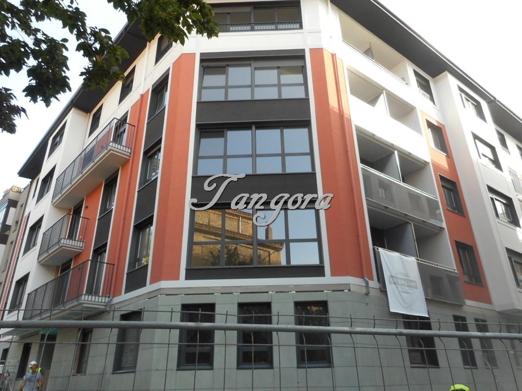 Se venden estupendas parcelas de garaje en el centro de Algorta.