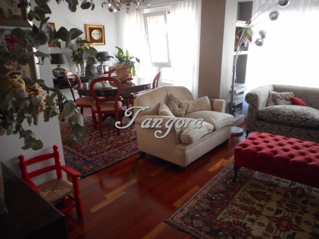Exquisito piso para entrar a vivir en inmejorable ubicación en Las Arenas.