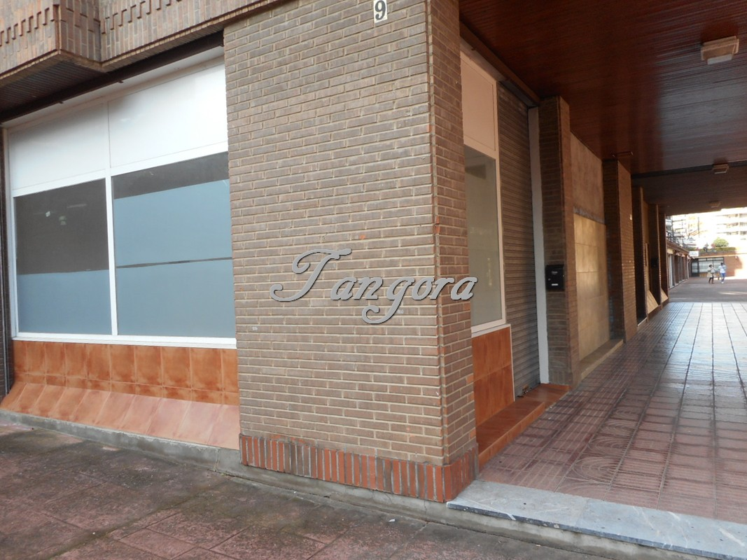 Se alquila bonito local de 25 m² en Algorta.