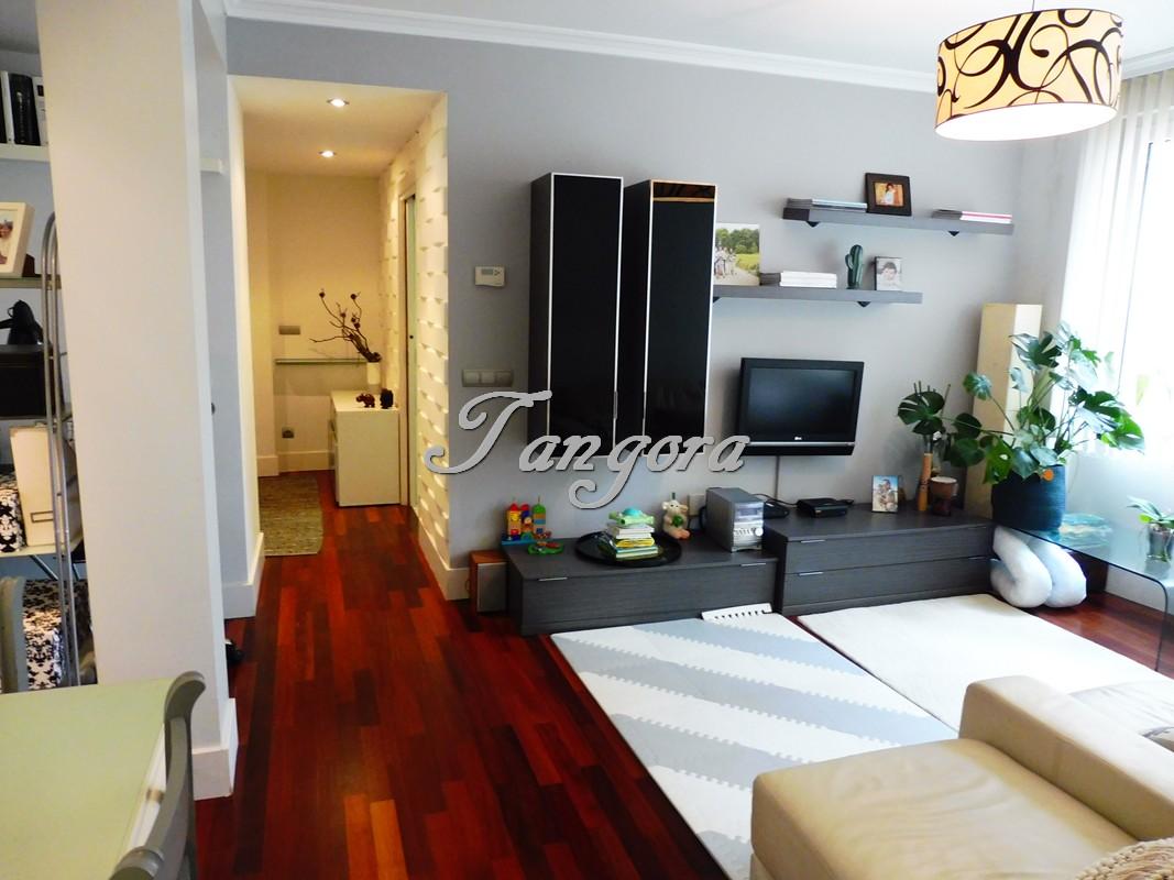 Precioso e impecable piso en Alango.