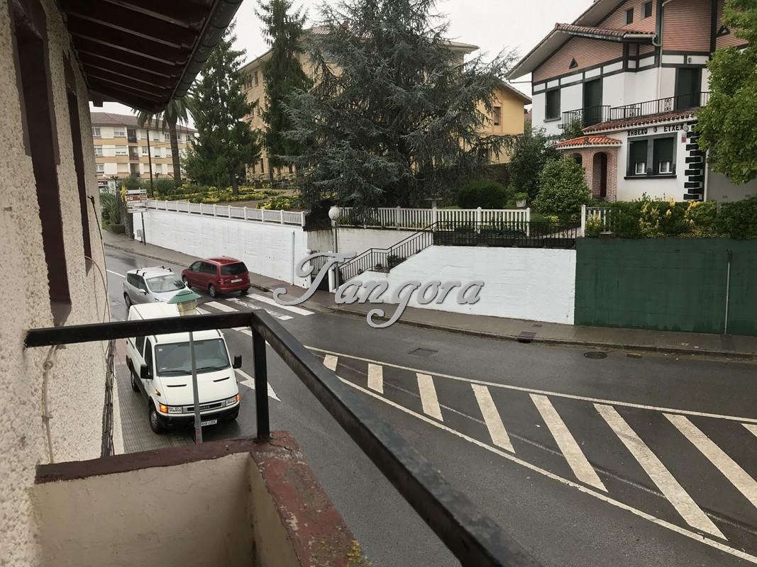 Estupendo ático para reformar en Gernika.