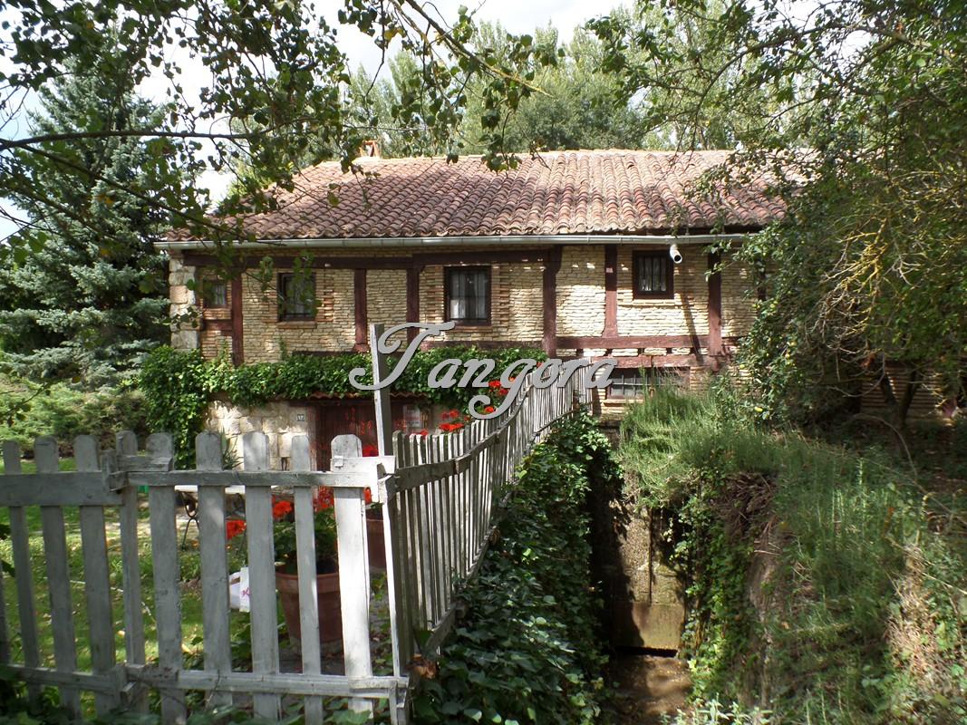 Preciosa casa-molino en Piedrahita de Juarros-Burgos.