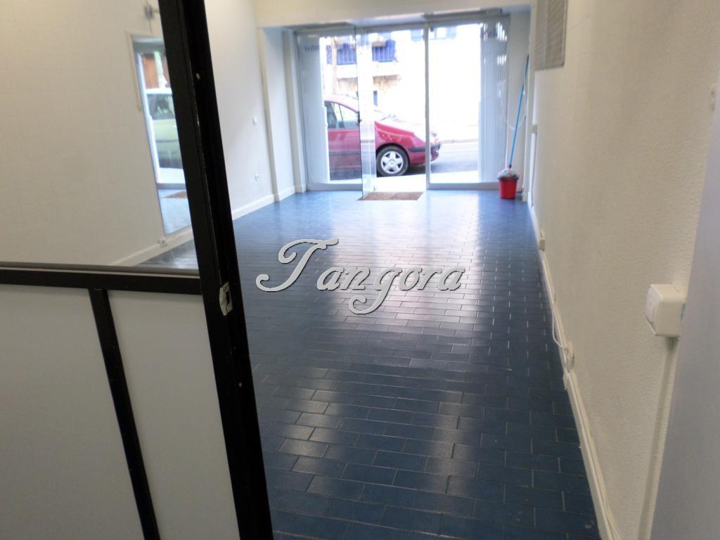 Se alquila estupendo local de 30 m² en Andrés Cortina, a escasos metros del Getxo Antzokia.